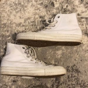 White Leather Converse Chuck Taylor High